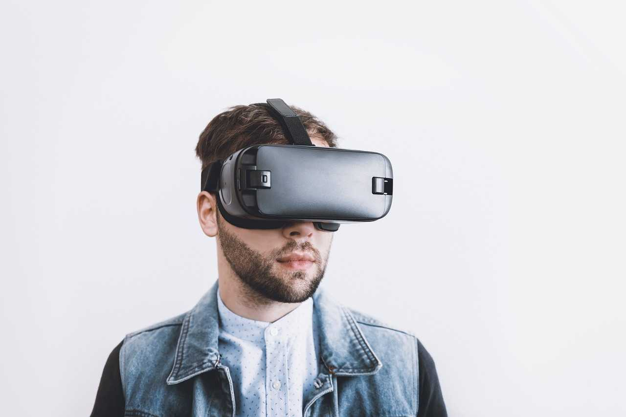 How Virtual Reality is Transforming Different Industries